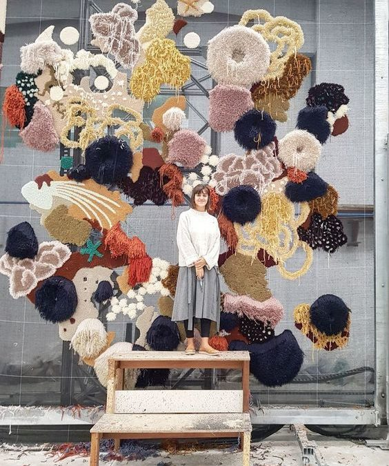 COLORED & RECYCLED RUGS OF VANESSA BARRAGÃO